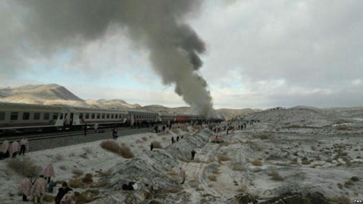 Passenger trains collide in Iran, at least 44 killed (PHOTO/VIDEO) (UPDATED)