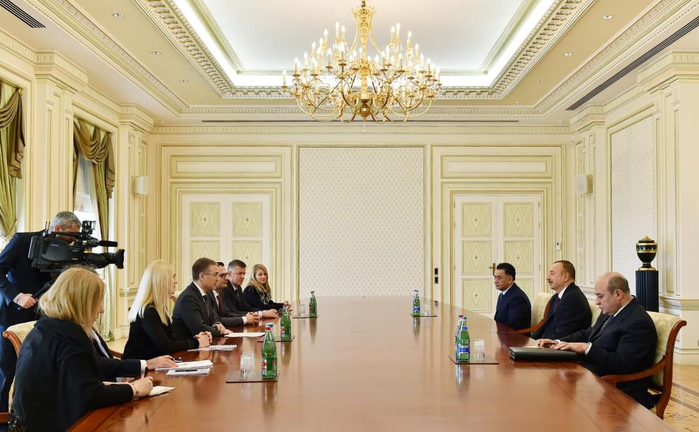 Ilham Aliyev meets delegation led by Serbian interior minister (PHOTO) - Gallery Image