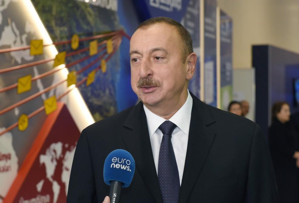 """""""Euronews"""" Azərbaycan Prezidentinin """"Bakutel-2016"""" sərgisində bu telekanala müsahibəsi və sərgi ilə bağlı reportaj yayımlayıb"""