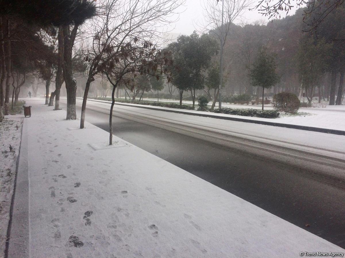 Bakü'den kar manzaraları (Fotoğraf) - Gallery Image