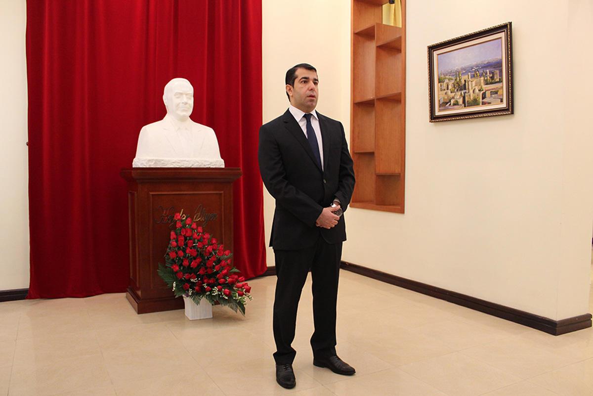 Vyetnamda ümummilli lider Heydər Əliyevin xatirəsi anılıb   (FOTO) - Gallery Image