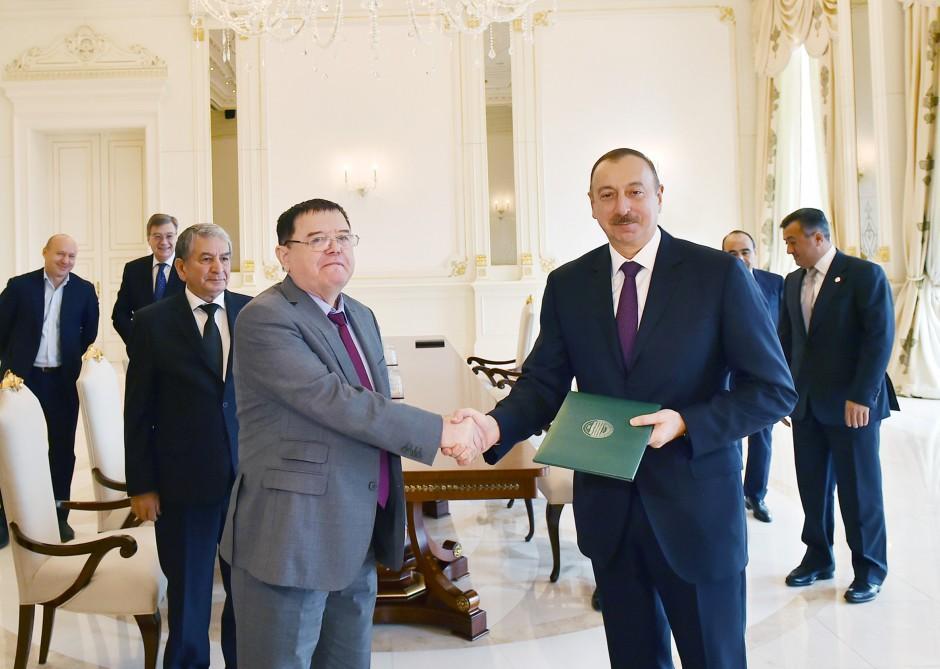 Президенту Ильхаму Алиеву присвоено звание Почетного профессора Астраханского госуниверситета (ФОТО)