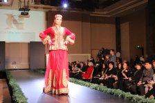 Türk Dünyası Kadın Kıyafetleri Defilesi Azerbaycan'da sahne aldı - Gallery Thumbnail