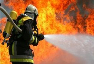 Hotel bursts into flames in Turkey