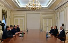 Ilham Aliyev receives head of Dagestan Republic  (PHOTO) - Gallery Thumbnail