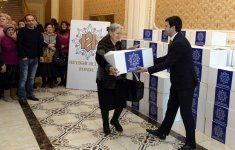 Heydar Aliyev Foundation distributes gifts to low-income families (PHOTO) - Gallery Thumbnail