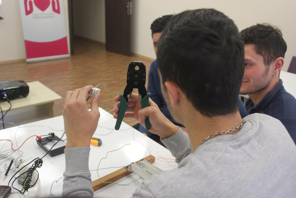 Nar-supported communication devices repair courses launched (PHOTO) - Gallery Image