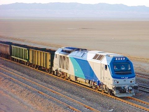 Iran's Zanjan-Qazvin railroad to become double-track