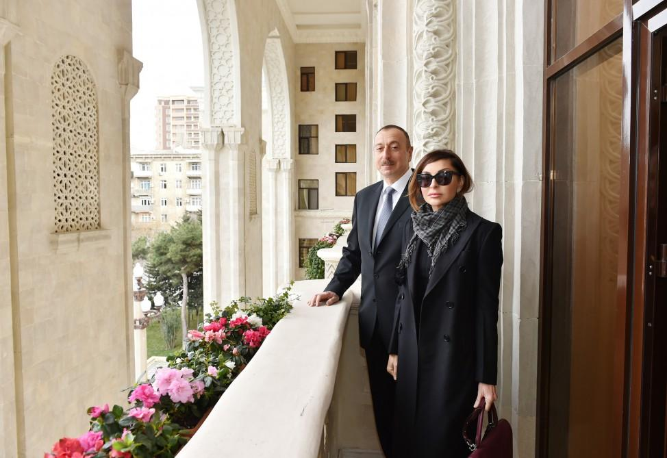 Ilham Aliyev, his spouse view conditions created at administrative building of Azerbaijan Railways CJSC (PHOTO)