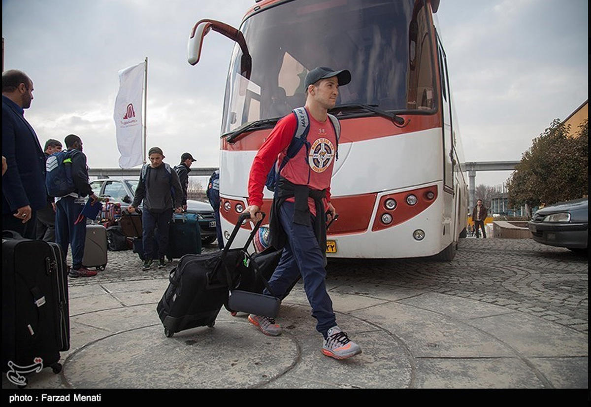 US wrestling team welcomed in Iran (PHOTO) - Gallery Image