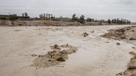 Flood breaks dam in southern Iran (PHOTO) - Gallery Thumbnail