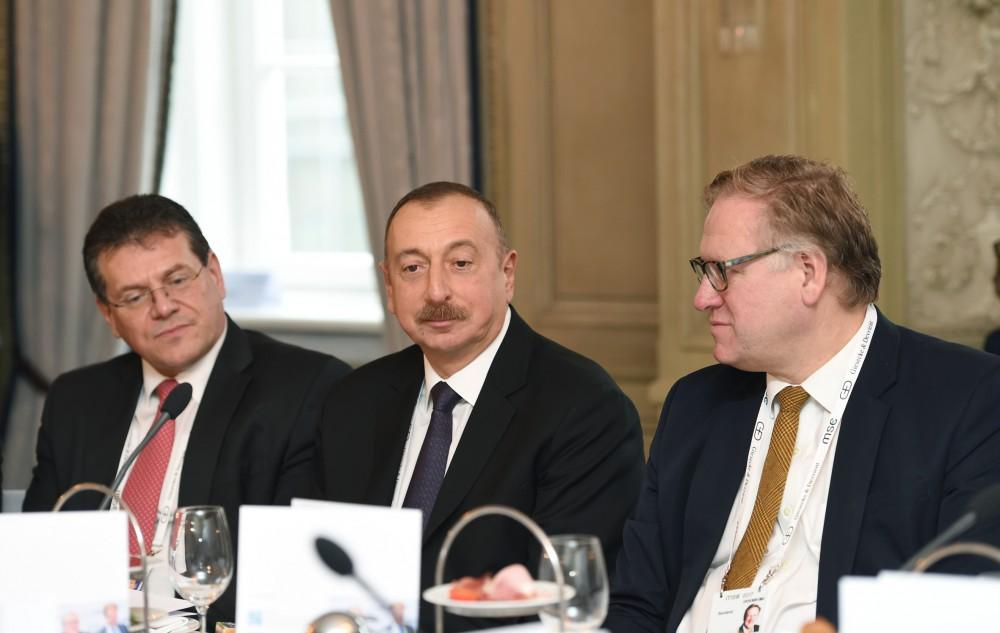 Ilham Aliyev attends roundtable of Munich Security Conference  (PHOTO) - Gallery Image