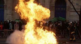 Parisdə etirazlar davam edir (FOTO) - Gallery Thumbnail