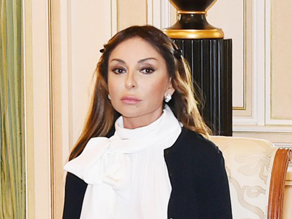 Mehriban Aliyeva: The memory of our brave sons who died heroically for the Motherland in the April battles will always live in our hearts (PHOTO)