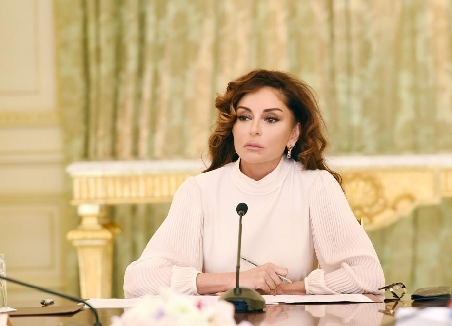 First VP Mehriban Aliyeva chairs meeting on resettling refugee, IDP families (PHOTO)