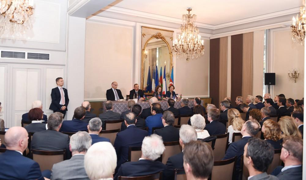 Ilham Aliyev meets members of MEDEF business council