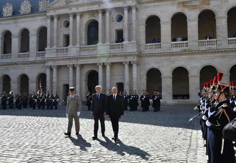 Official welcome ceremony held for President Aliyev in Paris (PHOTO)