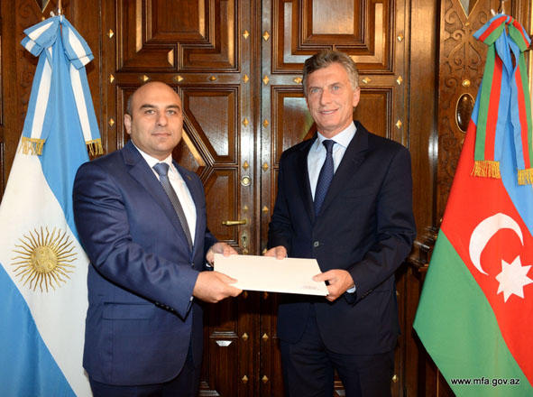 Azerbaijani envoy to Argentina presents his credentials