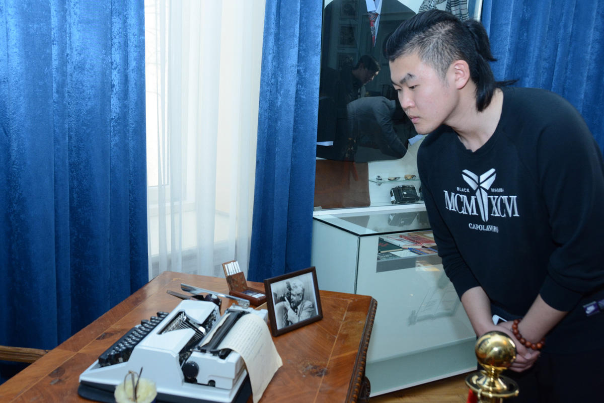 UNEC's foreign students visit Samad Vurgun's home-museum (PHOTO) - Gallery Image