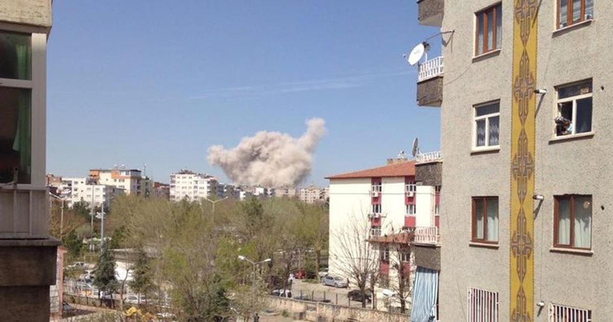 Türkiyədə güclü partlayış: 4 yaralı (FOTO/VİDEO) (YENİLƏNİB-2)