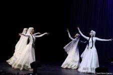 Гостям Исламиады представлено музыкальное и танцевальное искусство Азербайджана (ФОТО) - Gallery Thumbnail