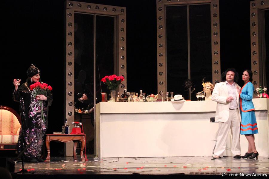"""Премьера спектакля """"Бульвар Сансет"""" в Баку, или Когда трагедия вызывает овации (ФОТО) - Gallery Image"""