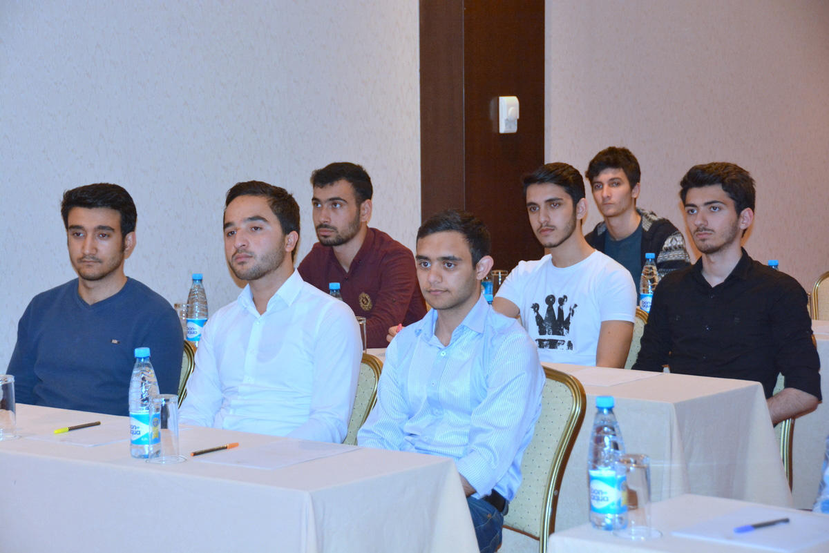 """UNEC students at """"Excelsior Hotel & Spa Baku"""" (PHOTO) - Gallery Image"""