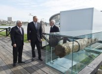 Ilham Aliyev views oil well in Bibiheybat after reconstruction (PHOTO) - Gallery Thumbnail