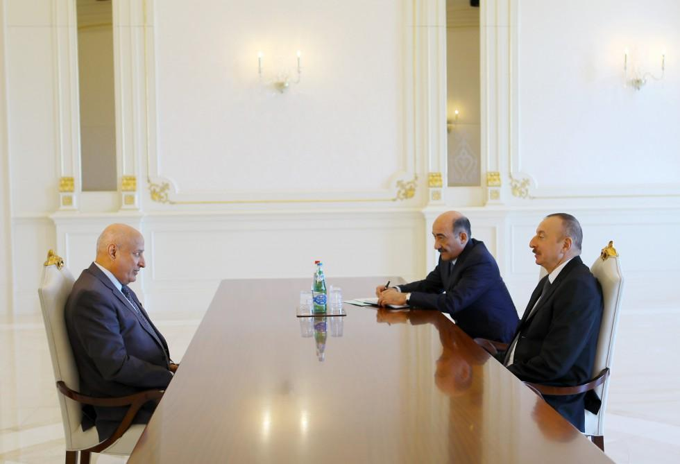 Ilham Aliyev receives ISESCO director general  (PHOTO) - Gallery Image