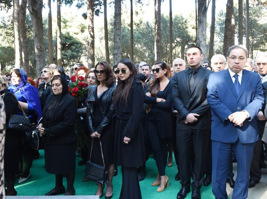 President Aliyev and his spouse attended farewell ceremony for acclaimed scientist, academician Rafiga Aliyeva (PHOTO) - Gallery Image