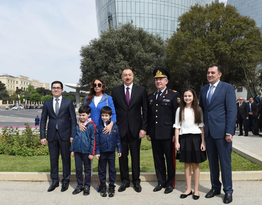 Azerbaijani president, first lady attend ceremony to mark Victory Day in Baku (PHOTO) - Gallery Image