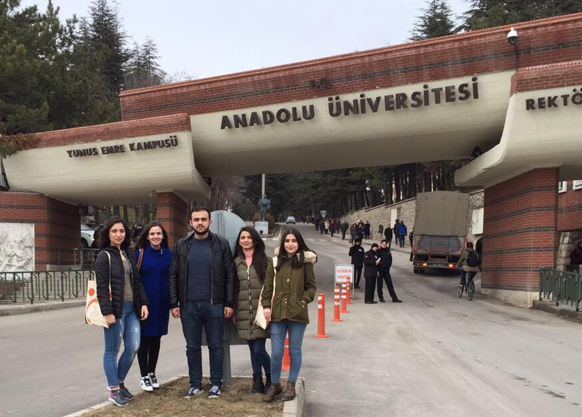 UNEC students, teachers in Int'l Exchange Program (PHOTO) - Gallery Image