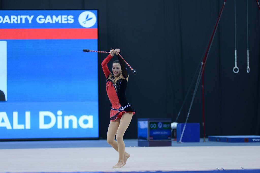 İslamiadada bədii gimnastika üzrə yarışların ikinci günü FOTOLARDA   - Gallery Image