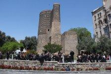 Музыкальный солнечный марафон перед Девичьей башней для гостей Исламиады (ФОТО) - Gallery Thumbnail