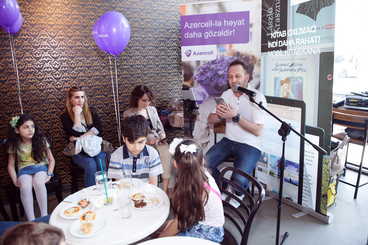 Azercell makes gifts to children (PHOTO)
