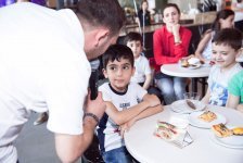 Azercell makes gifts to children (PHOTO) - Gallery Thumbnail
