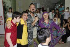 Daun sindromlu uşaqlar üçün bayram tədbiri keçirilib (FOTO) - Gallery Thumbnail