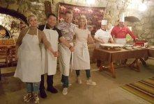 В Баку туристов учат готовить кутабы (ФОТО) - Gallery Thumbnail