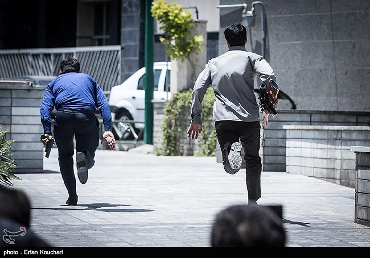 CCTV footage shows terrorists raiding Iran's Parliament (VIDEO)