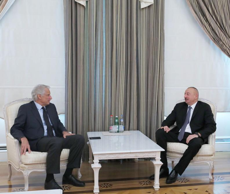 Ilham Aliyev receives former French PM (PHOTO) - Gallery Image