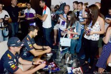 Red Bull pilots to try to break speed record at F1 Azerbaijan (PHOTO) - Gallery Thumbnail
