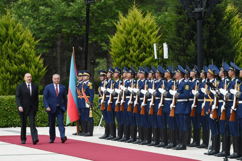 Official welcoming ceremony held for Moldovan president (PHOTO)