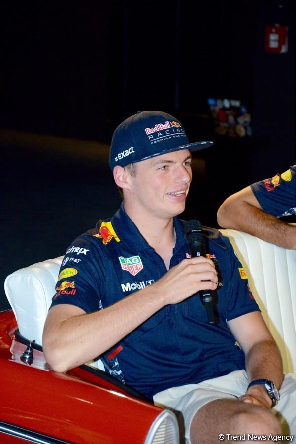 Red Bull pilots to try to break speed record at F1 Azerbaijan (PHOTO) - Gallery Image