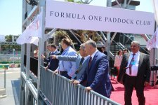 Официальные лица Автомобильной федерации Азербайджана и президент Молдовы посетили паддок Формулы 1 (ФОТО) - Gallery Thumbnail