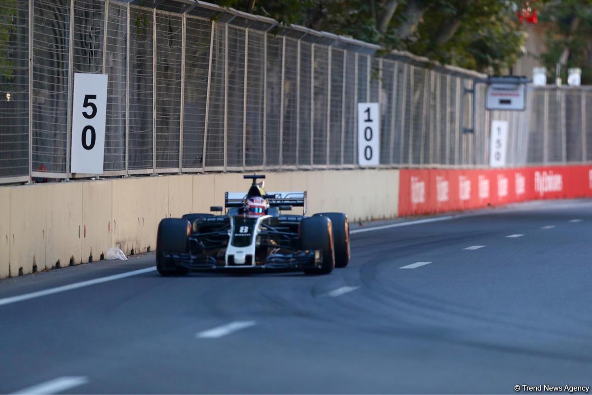 Formula 1 pilotlarının təsnifat mərhələsindən FOTOSESSİYA - Gallery Image