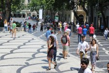 F1 fans viewing tourist attractions of Baku (PHOTO) - Gallery Thumbnail