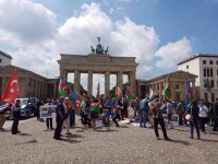 Azerbaijanis hold protest rally in Berlin (PHOTO) - Gallery Thumbnail