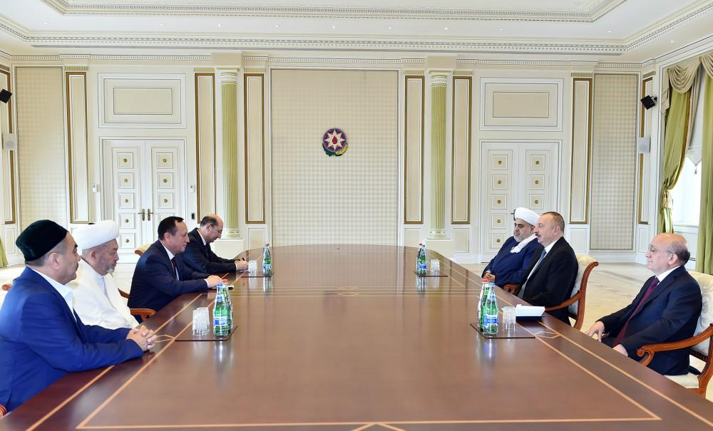 Ilham Aliyev: Azerbaijan interested in expanding co-op with Uzbekistan (PHOTO)