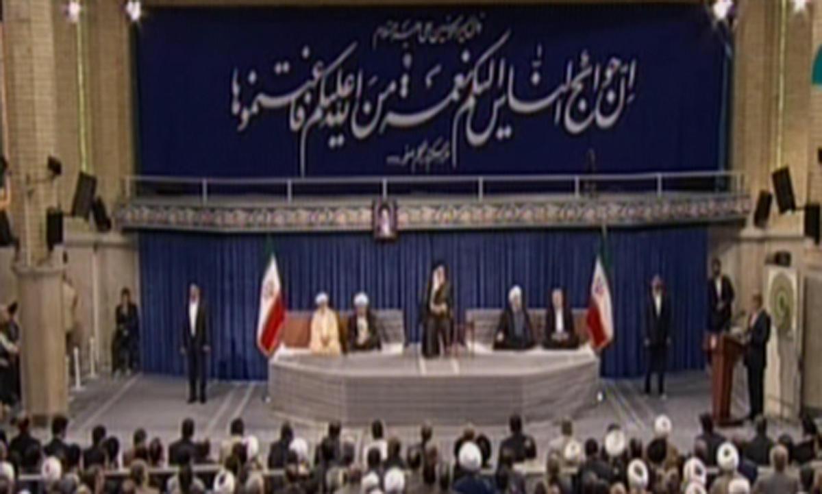 Hamaney Hasan Ruhani'nin görevini resmen onayladı (Fotoğraf) - Gallery Image