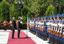 В Баку состоялась церемония официальной встречи президента Туркменистана (ФОТО) - Gallery Thumbnail